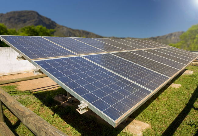 ECA analysing the efficiency of solar-home-system implementation models in Tanzania